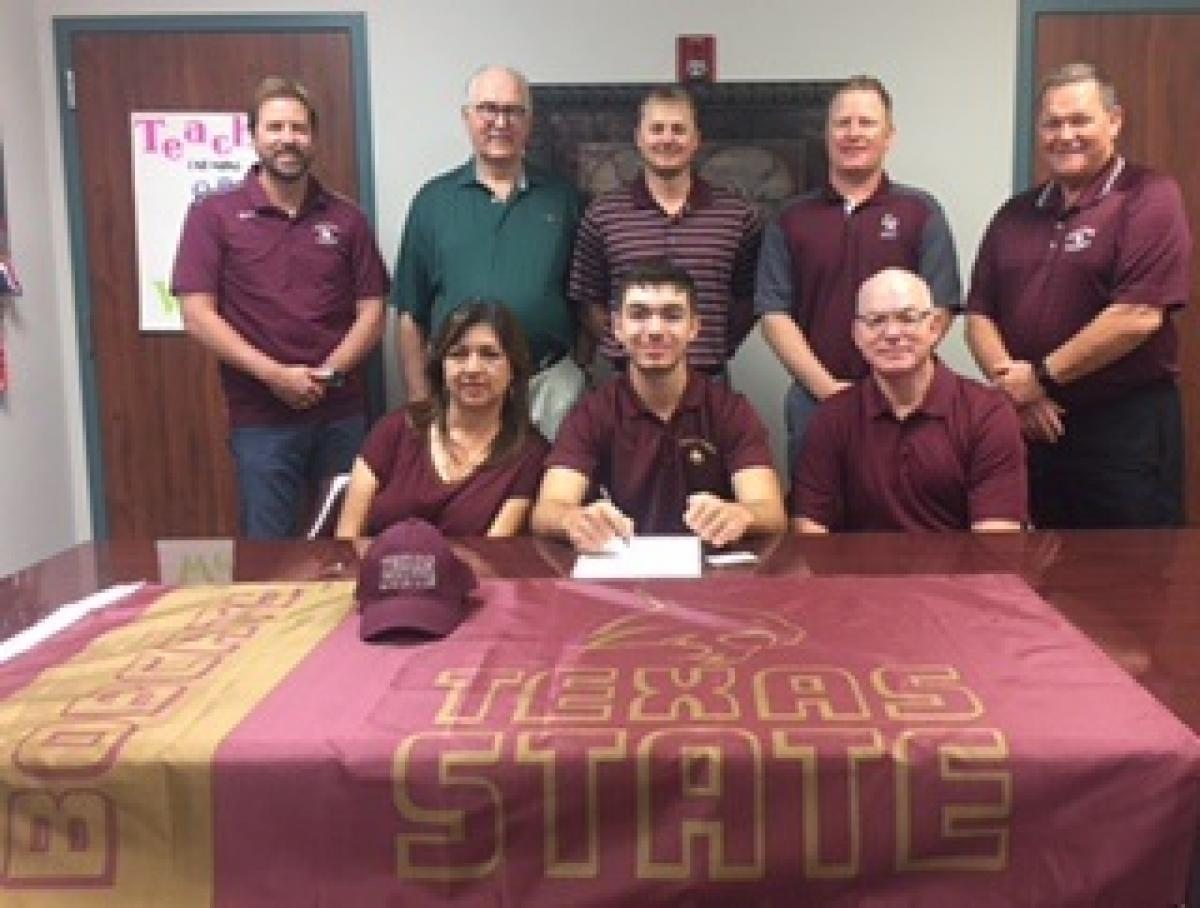 Cade Kiser signs Letter of Intent to play golf at Texas State